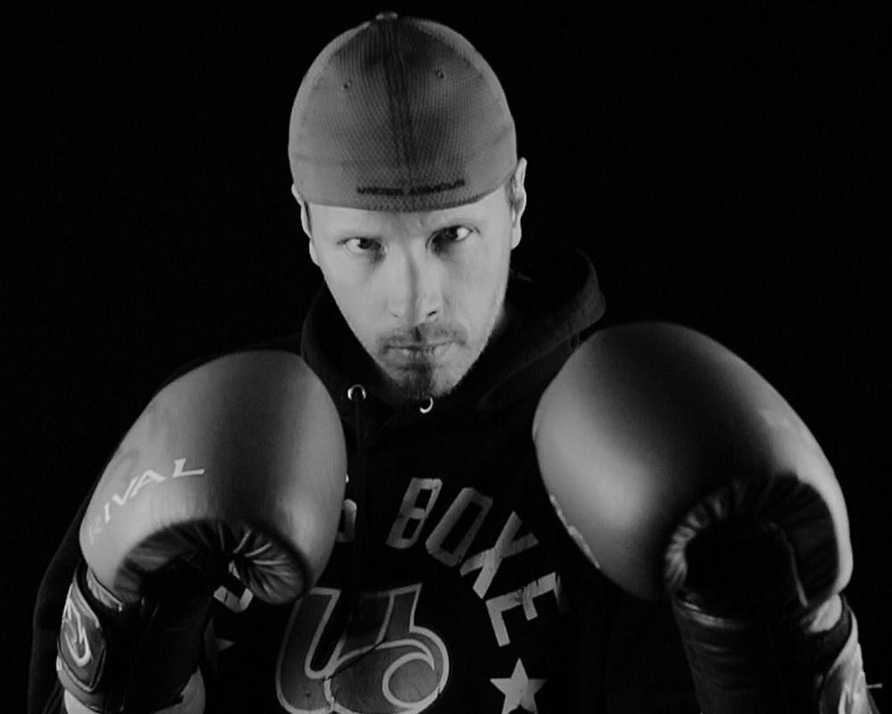 Bernard Paquet, boxeur pour un combat-bénéfice au profit de Leucan au Super Gala de boxe Dooly's 2016.
